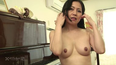 41Ticket - Japanese Mature Azusa Stripped and Creampied After Cooking