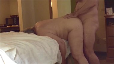Chunky MILF rammed in the butthole