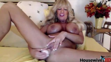 Dick drainer glamorous mature blonde Barbie Foxxx