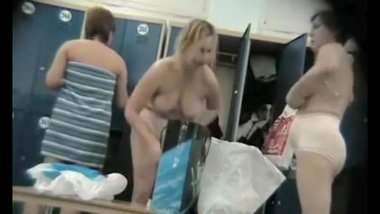 Real sexy Milfs spied in a locker room