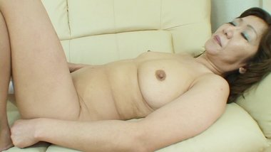 Japanese granny gets her hairy mature pussy filled with cum