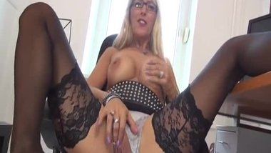LANA VEGAS German housewife serious wanking alone