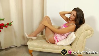 Hot long legs brunete teen in too short minidress can't avoid panty shots !