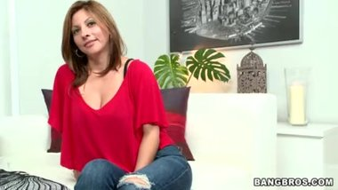 Latina MILF Lisa from Colombia
