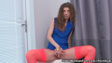 Canadian milf Janice needs getting off