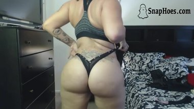 Sexy Latina Milf Twerks Big Ass POV