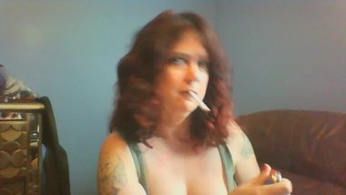 Sexy Mommy Smoking Virginia Slim 120s Menthol