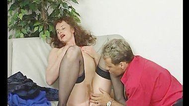 Gorgeous skinny MILF gets fingered
