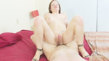 Pale milf gets fucked